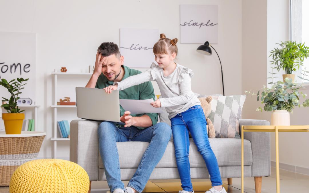 Stress da lavoro: differenze tra lavoro in ufficio e da casa.